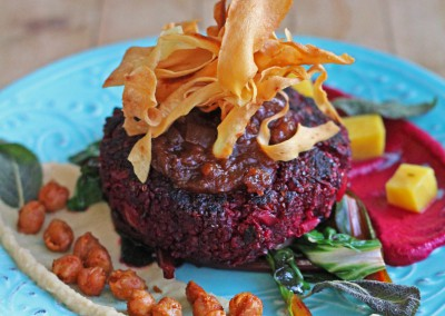 Beetroot Burger & Hummus